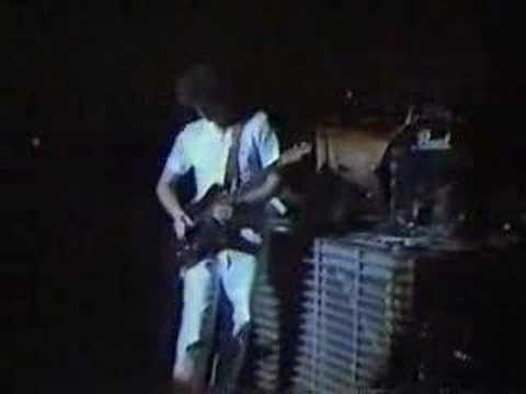 Radio-active - The Firm live Video