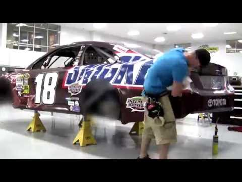 Snickers NASCAR Wrap - Amazing Time Lapse of Kyle Busch's car