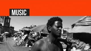 Eritrea - Berhan Tesfay -  ኣይትፈታትንኒ / Aytfetatnni - New Eritrean Music 2015