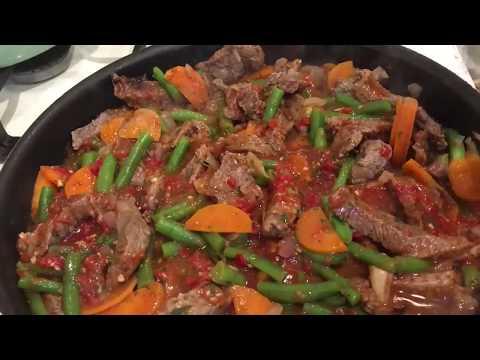 Сочная говядина с овощами в духовке