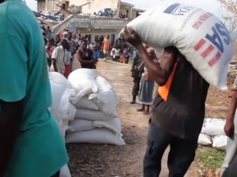 Raw: World Food Programme Delivers Haiti Relief