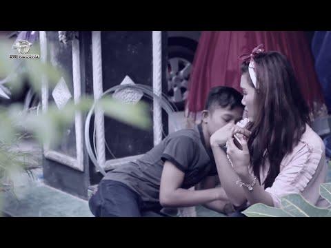 Ilux feat. Sanksi Band - Dukun Cinta (Official Music Video)