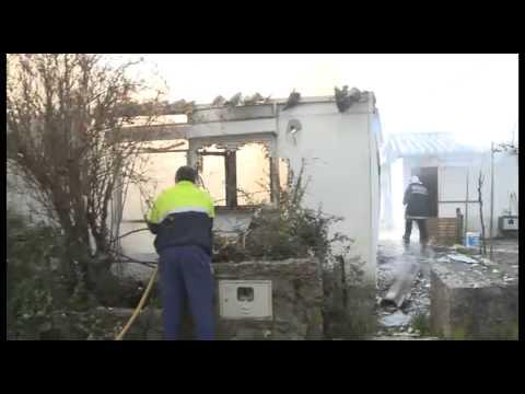 Inc�ndio destr�i habita��o em Ervedal da Beira