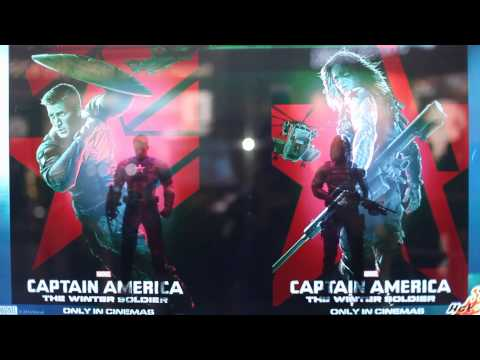 Hot Toys - Captain America: The Winter Soldier Transparent TV Showcase