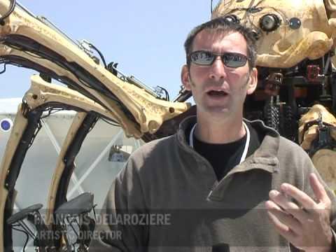 Japón: Una araña gigante en las calles de Yokohama