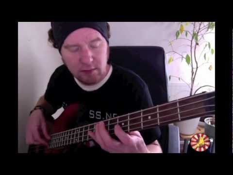 Learn simple Bass riffs:  The adventures of rain dance Maggie: RHCP