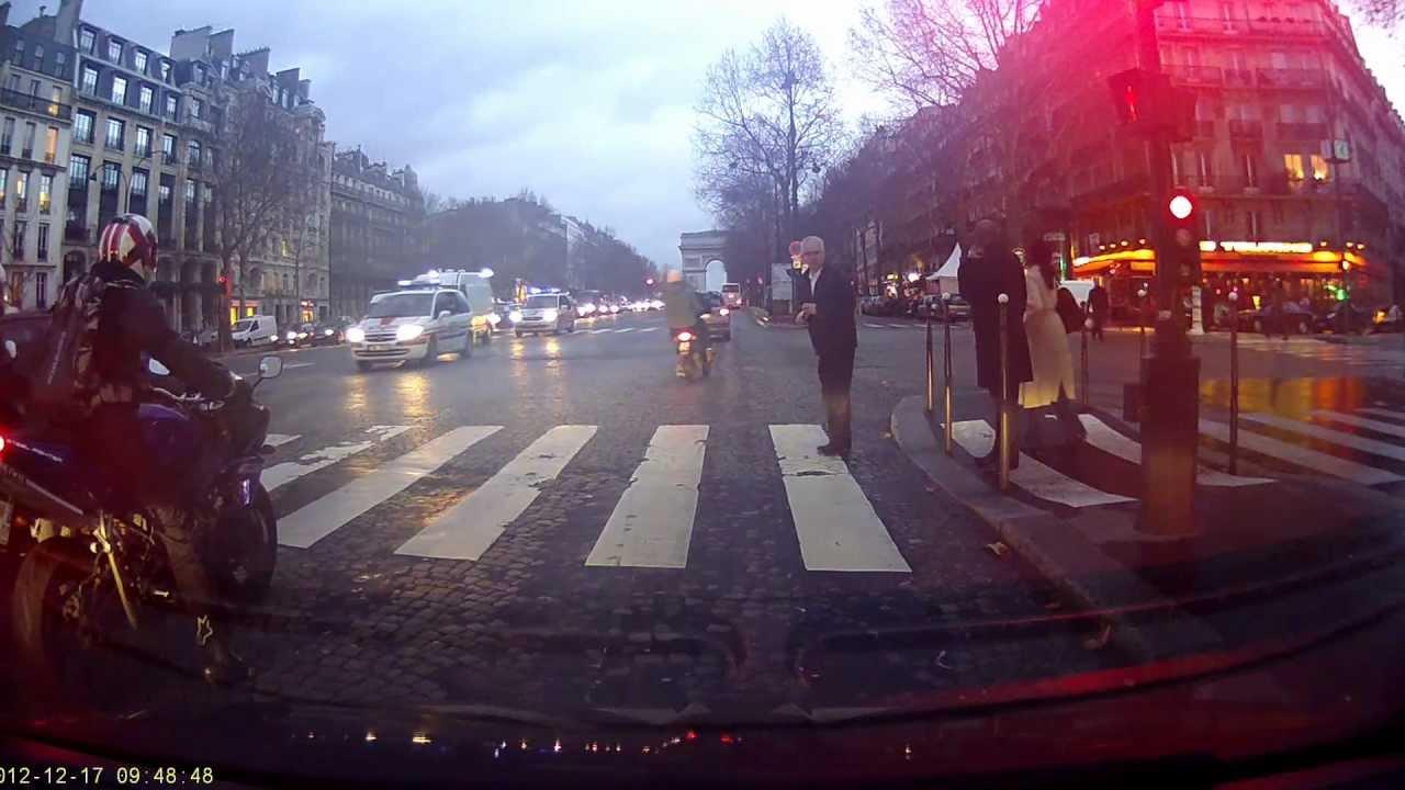 Car accident paris avenue de la grande arm e youtube - 10 avenue de la grande armee ...