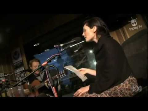 Sarah Blasko - Hey Ya! (OutKast cover) Triple J Like A Version...