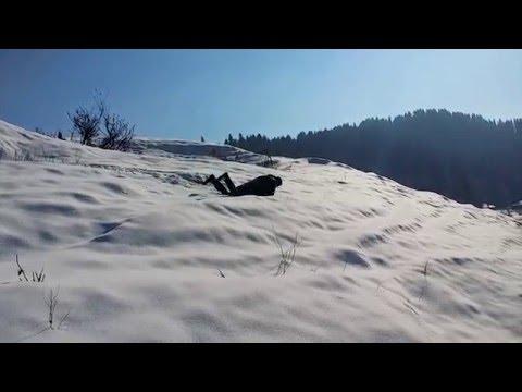 Freak Accident in Snow !! Must Watch !!! Gulmarg Srinagar Kashmir India !!