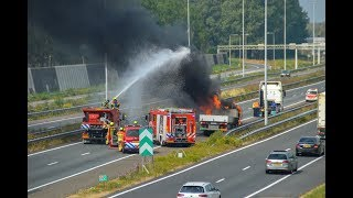 Vrachtwagen in brand op A15 bij Gorinchem