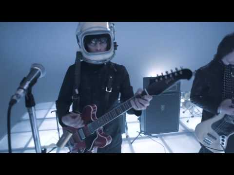 Beady Eye - Blue Moon