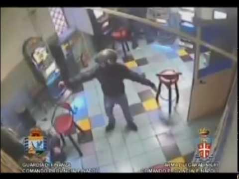 Napoli, Raid Della Camorra Con Kalashnikov  Il Video Shock
