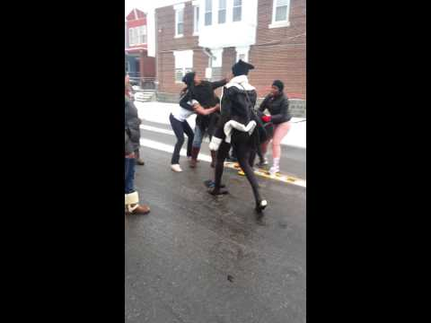 West Philly girls fighting