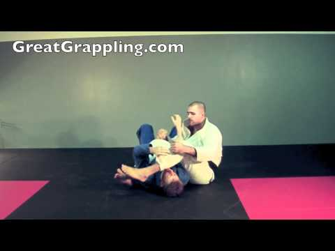 Mount Submission Basic Armbar Image 1