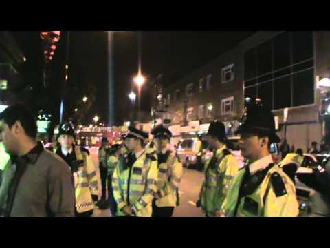 Pakistani Girls Fighting With London Police On 14 Aug 2010 On Green Street Faysal Afzal video