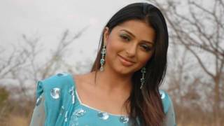 Bhumika Chawla Hot & Sexy Video [Do not miss to see the extreme]