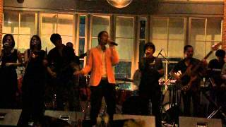 MALIQ & D'Essentials - Just Friend (Live Performance)