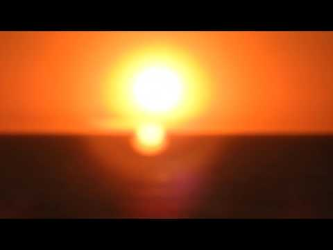 Research Flat Earth: P900 Sunset Zoom sends the sun right back up into the sky!