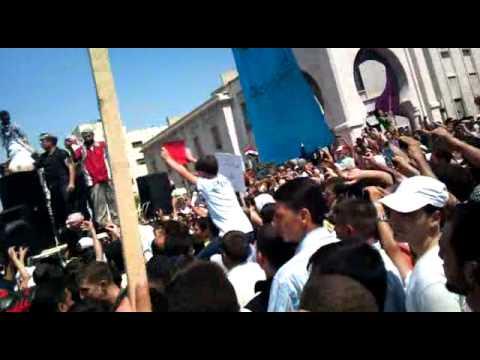 مظاهرات حماة القاشوش كاملة وبوضوح عالي.MP4