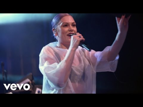 Jessie J - Do It Like A Dude (Live @ Volkswagen Garage Sound)