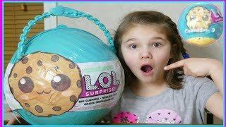 LOL Cookie Swirl C Big Surprise! Custom Youtuber LOL Big Surprise Ball!