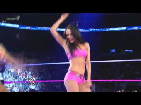 WWE 11.10.2013 Brie Bella Dancing (WWE Smackdown) HD