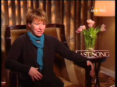 Star Movies VIP Access: The Last Song - Julie Anne Robinson