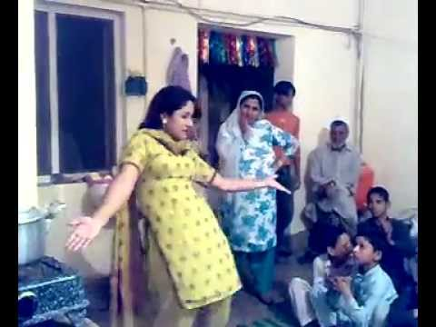 Peshawar City Girl dance For Home 2012.FLV