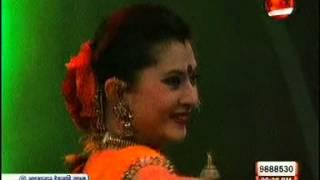 Download Ebar Pujoy Chai amar benaroshee saree 3Gp Mp4