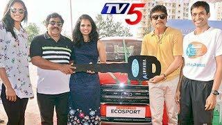Nagarjuna Presents Car to Badminton Player Sikki Reddy