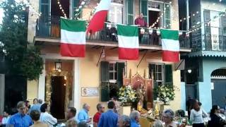 "Bon Operatit! performs ""Nessun Dorma"" on a Bourbon Street Balcony"