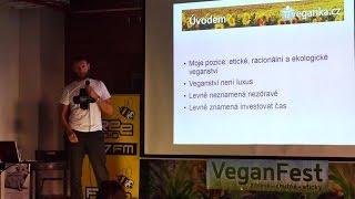 Pavel Houdek - Nízkorozpočtové veganství (VeganFest 2015)