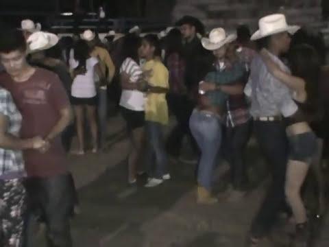 grupo legitimo en jaripeo d catarina slp 26 de nov 2012 huapangos y norteñas