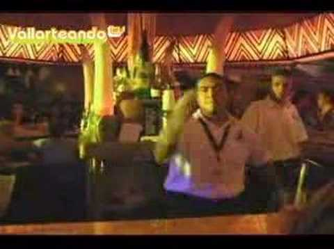 De vallarteando com dj chewy vega en el zoo bar de puerto vallarta