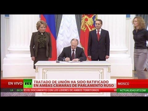 Vladímir Putin firma la ley sobre la reintegración de Crimea y Sebastopol a Rusia