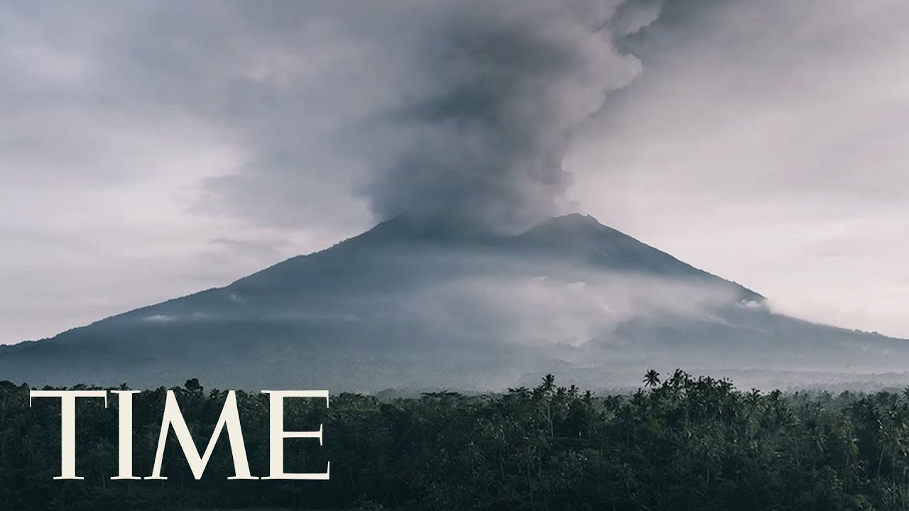 Bali's Mount Agung Spews Ash As Thousands Evacuate: See Footage From All Different Angles | TIME