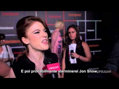SUB-ITA: Rose Leslie e Sophie Turner giocano a