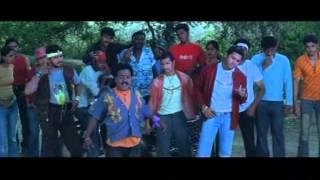 Kazhugu - Kazhugu - Nithin Beats Up Venumadavan - Hit Comedy Scenes