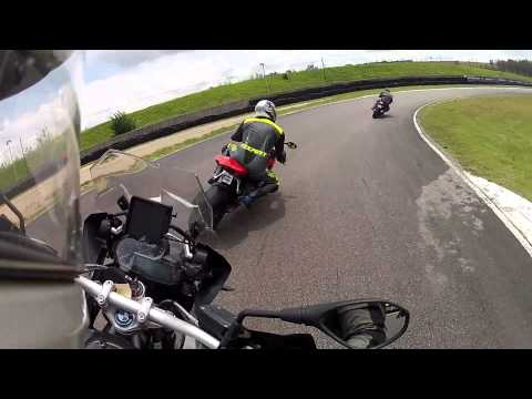 2014 BMW R1200GS LC vs Ducati 1199 Panigale on the track