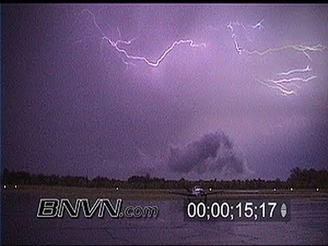 7/8/2000 Lightning video from Princeton MN Airport