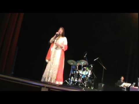 Alka Yagnik Live in Concert in Atlanta-Raah Mein Unse Mulakaat...