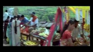 Bhramaram song, Bhramaram Annarakanna Vaa Bhramaram is a Blessy Movie featuring Mohanlal as a Jeep Driver. Bhoomika Chawla is the heroine in this movie.