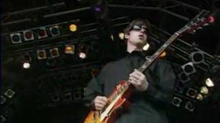 Oasis - Live Forever (Live at Glastonbury) June26, 1994 (HD)