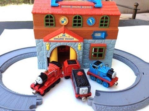 Thomas Train Set Set With James Red Train