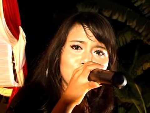 CINCIN KEPALSUAN AAT ANGGRAENI PANAMA MUSIC PSM BKS