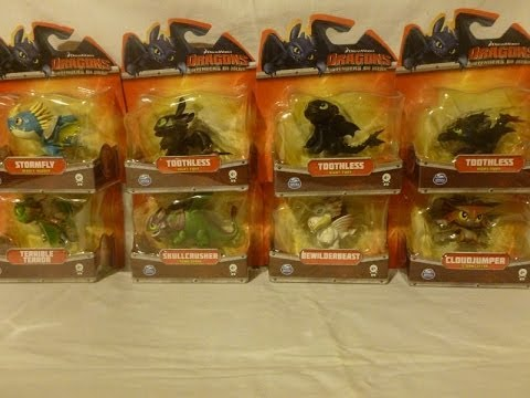 8 How to train your Dragon figures opening Defenders of Berk Night Fury Toothless