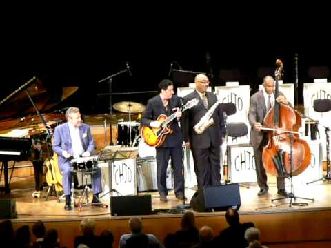They can't take that away from me - Clayton-Hamilton Jazz Orchestra feat. John Pizzarelli