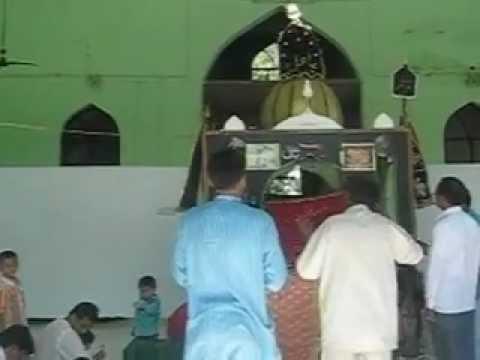 Dargah Najaf-e-Hind Jogipura.avi   inside view of Roza Imam...