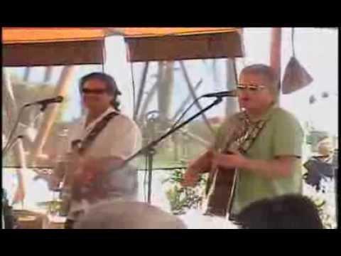 Live Music at Leilanis Beach Bar in Maui