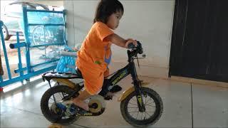 ปั่นจักรยาน  Children's bicycles. Baby baba